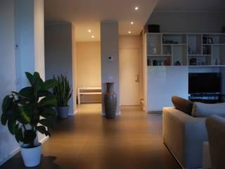 Villa interiors - living room: Soggiorno in stile  di ReHabitat