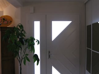 Коридор, прихожая и лестница в классическом стиле от Uniq intérieurs Классический