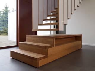 Hängende Treppe:   von Byrnström Möbelbau