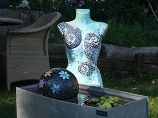 Buste et sphère flottante:  de style  par Florence OLMI