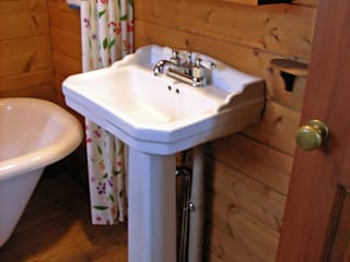Small Cottage at Mt.Yatsugatake, Japan Cottage Style / コテージスタイル Country style bathroom