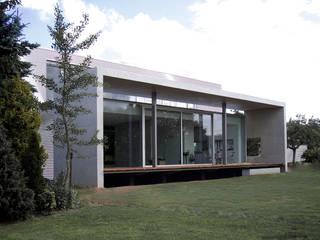 EFH Landmarke dürschinger architekten Industrialer Balkon, Veranda & Terrasse