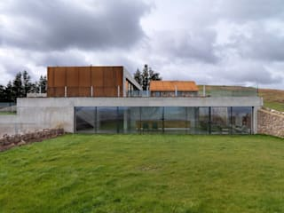 Stormy Castle LOYN+CO ARCHITECTS Jardins minimalistas