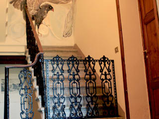 VILLA CINZIA Ingresso, Corridoio & Scale in stile coloniale di ELISA POSSENTI ART Coloniale