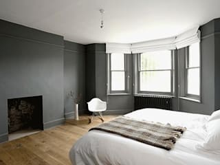 Cosy:  Bedroom by Forster Inc
