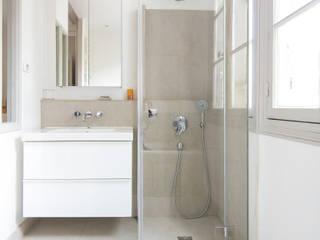 Baños de estilo  de D.Interior