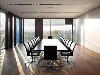Ärtzverlag Moderne Bürogebäude von Spiegels GmbH & Co. KG Modern