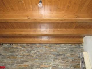 Forjados de madera y paredes de piedra:  de estilo  de DE DIEGO ZUAZO ARQUITECTOS