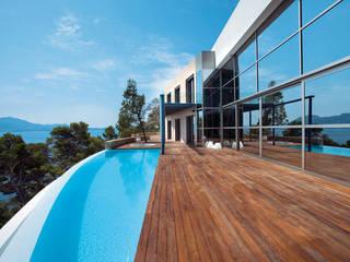 FORMENTOR Casas de estilo moderno de Alibaz Inversiones Moderno