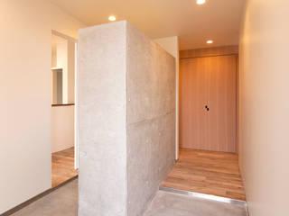 桜ヶ丘の家 ミニマルスタイルの 玄関&廊下&階段 の 有限会社MuFF ミニマル
