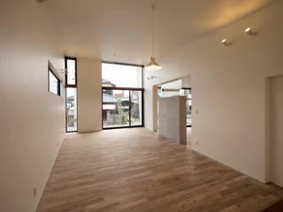 桜ヶ丘の家 ミニマルデザインの 多目的室 の 有限会社MuFF ミニマル