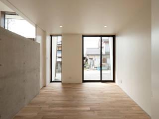 桜ヶ丘の家 ミニマルスタイルの 寝室 の 有限会社MuFF ミニマル