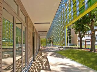 SieKids Kinderinsel Erlangen dürschinger architekten Moderner Balkon, Veranda & Terrasse
