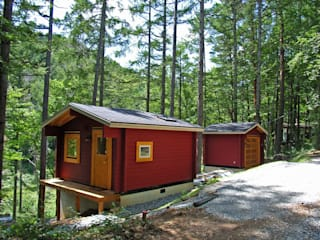 Bird House Lodge in Woods, Japan Cottage Style / コテージスタイル Casas campestres Madeira Vermelho
