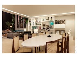 Dining room by Arquitetura 3, Eclectic