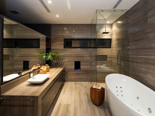 modern Bathroom by GLR Arquitectos