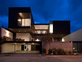 modern Houses by GLR Arquitectos