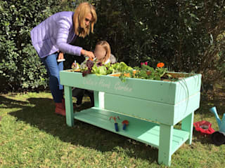 Huerta horganica para niños Mundo Garden JardinesFloreros y macetas Madera maciza Verde