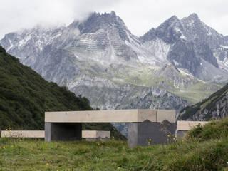 Bank Alpina von Toni Egger Tischlerei Minimalistisch