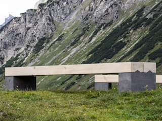 Bank Alpina: modern  von Toni Egger Tischlerei,Modern