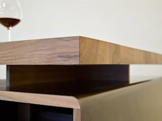 Schreibtisch Caleta von Toni Egger Tischlerei Minimalistisch