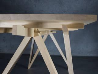 Tisch Eterno von Toni Egger Tischlerei Minimalistisch