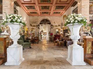 Salone: Soggiorno in stile in stile Rustico di Lacole Casa Italiana