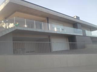 c.e.s.m. Case moderne di carpenteria edile di spinsante marco Moderno