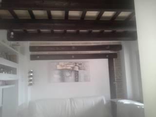 www.costruzioni-ristrutturazioni.it Ingresso, Corridoio & Scale in stile rustico di carpenteria edile di spinsante marco Rustico