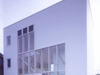 Case in stile  di 有限会社古里設計一級建築士事務所