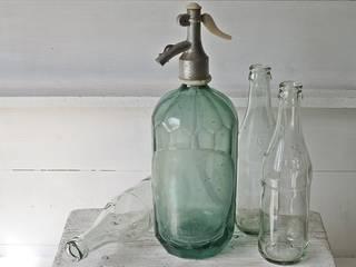 Alte Sodaflasche:   von van der Field