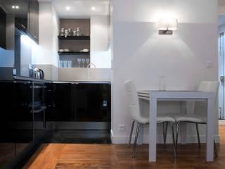 transformation studio en 2 pièces 34m²:  de style  par Aurélia Petitet