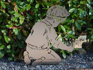 Kind knieed Edelstahl:   von die Design-Schmiede by TM-TH