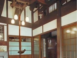 家族室 ラスティックスタイルな 壁&床 の アトリエ優 一級建築士事務所 ラスティック