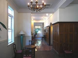 1階ギャラリー: アトリエ優 一級建築士事務所が手掛けた和室です。