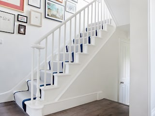 Main staircase by William Gaze Ltd Класичний