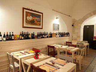 Vineria di S. Domenico Bar & Club in stile classico di lollo e dado Classico