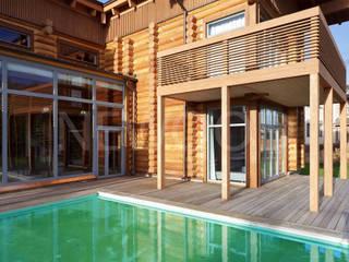 NEWOOD - Современные деревянные дома Casas de estilo clásico