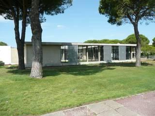 Rénovation d'une Salle Polyvalente et des locaux administratifs AGENCE D'ARCHITECTURE BRAYER-HUGON Lieux d'événements modernes