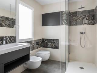 BAÑO EN SUITE: Baños de estilo  de ambau taller d´arquitectes