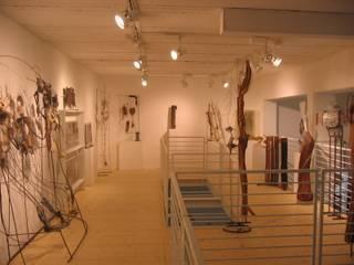 Negozi vari Negozi & Locali commerciali moderni di Studio di Architettura Fiorentini Associati Moderno