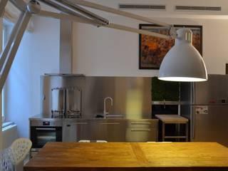 Tavolo :  in stile  di graziella bloccari architetto
