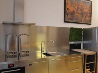 Cucina ikea:  in stile  di graziella bloccari architetto
