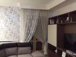 S.Antonio Abate: salotto: Soggiorno in stile in stile Moderno di Giuliana Bellino architetto