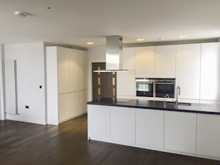 The Chelsea Harbour Kitchen Minimalist kitchen by NAKED Kitchens Minimalist