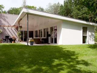di Suzanne de Kanter Architectuur & Interieur Moderno
