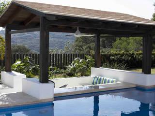 Casa Ixtapan de la Sal Albercas modernas de Boué Arquitectos Moderno