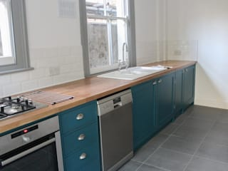 The West Hampstead Kitchen Classic style kitchen by NAKED Kitchens Classic