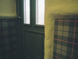 Corridor & hallway by projektowanie wnętrz, Country