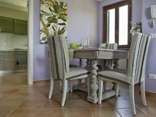 Appartamento: Sala da pranzo in stile in stile Coloniale di Marianna Leinardi